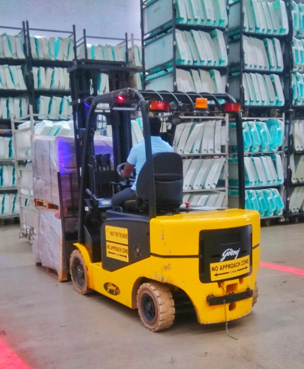 Diesel and electric forklift on rent